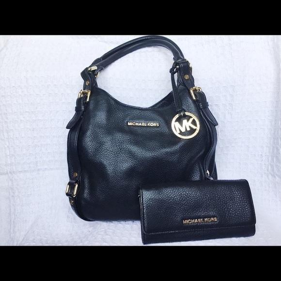fcaebc1e286d49 SALE! 🎉 Michael Kors black leather bag/wallet set.  M_5ab04fd5a44dbea12bb9219a